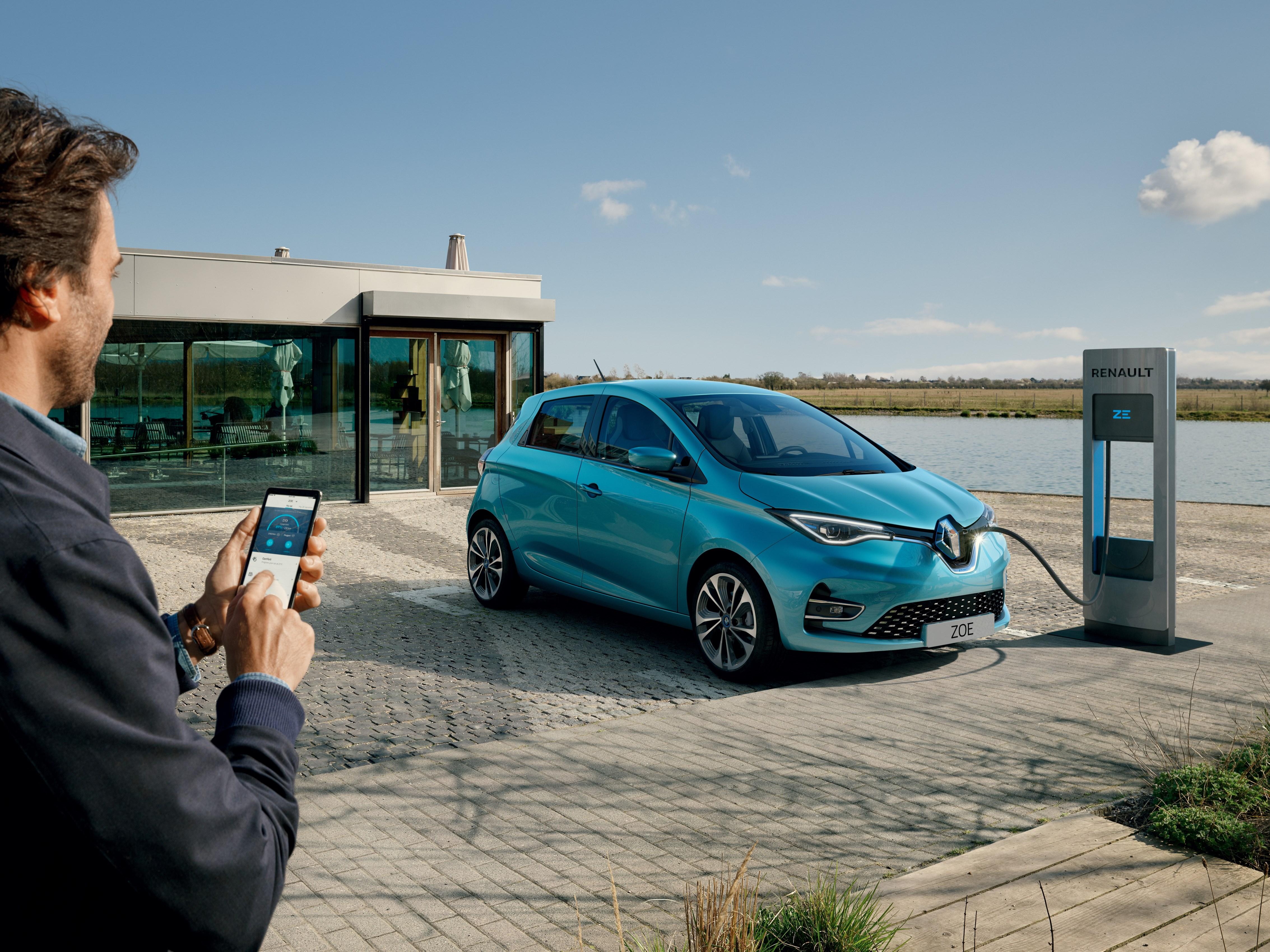 21227978_2019_-_New_Renault_ZOE